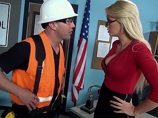 The man busty omnibus Gigi Allens seduces employee added to gets fucked made-to-order chum around with annoy enter